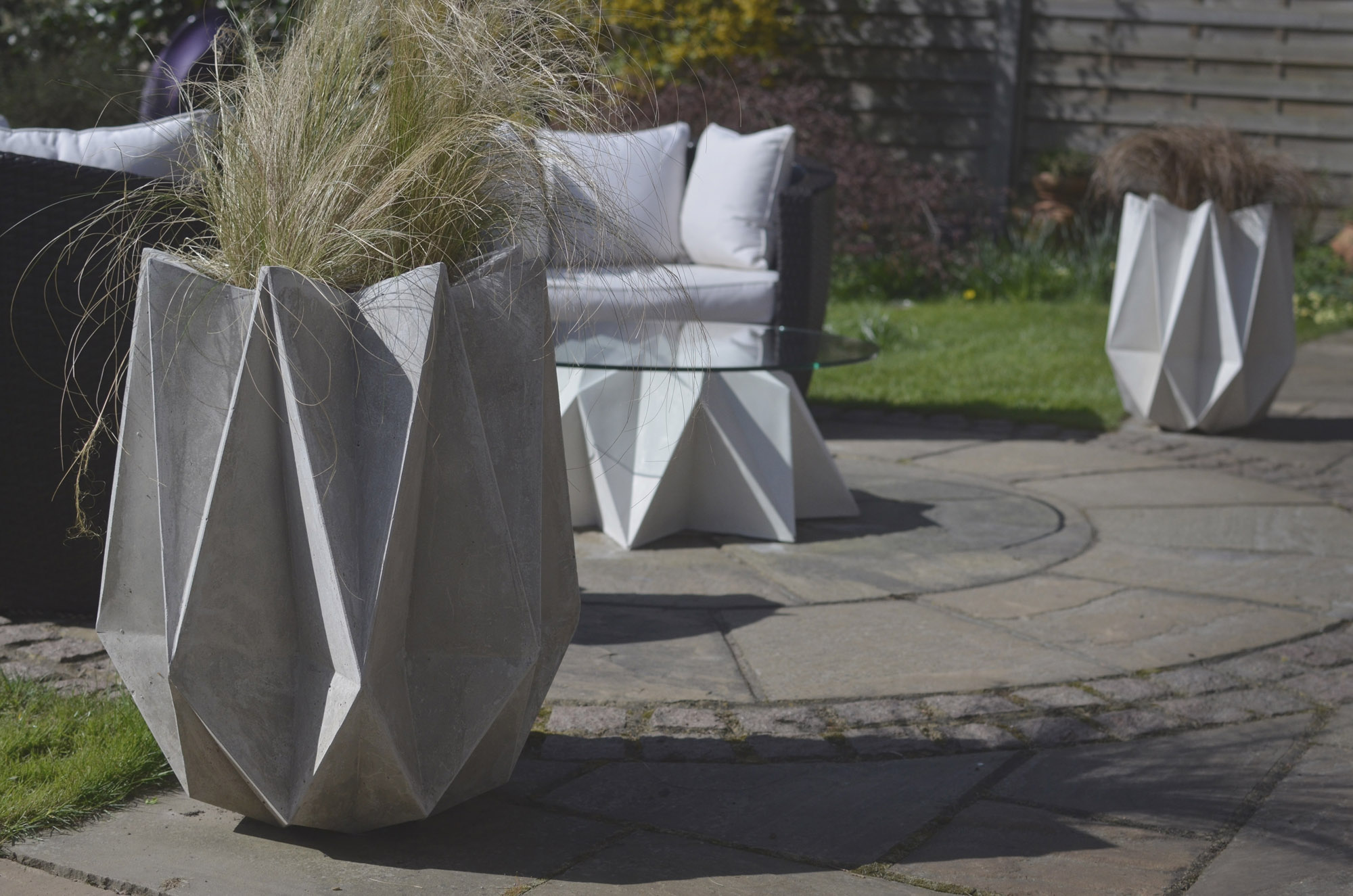 An alternative to urbis contemporary pots - Gartendeko modern ...