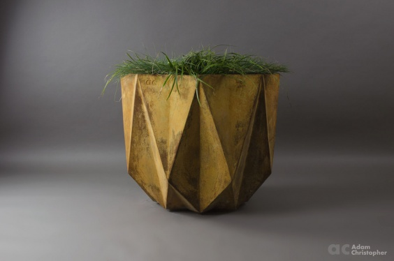 Large planter in a corten steel effect coating on top of cast fibre concrete. Modern design suitable for indoor or outdoor use
