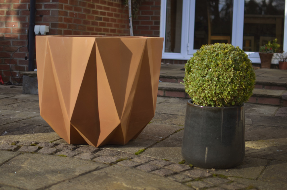 prisme planter in rust corten 1000