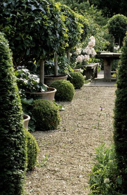 classic pots line gravel path