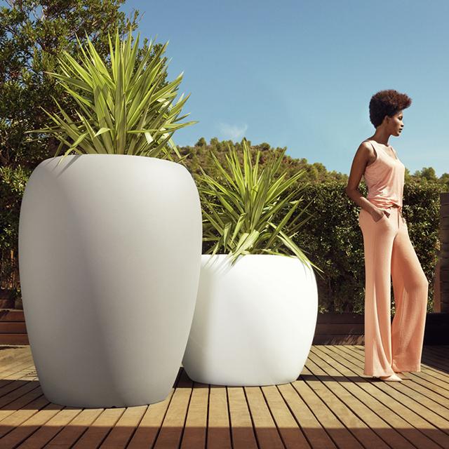 big bulbous planters