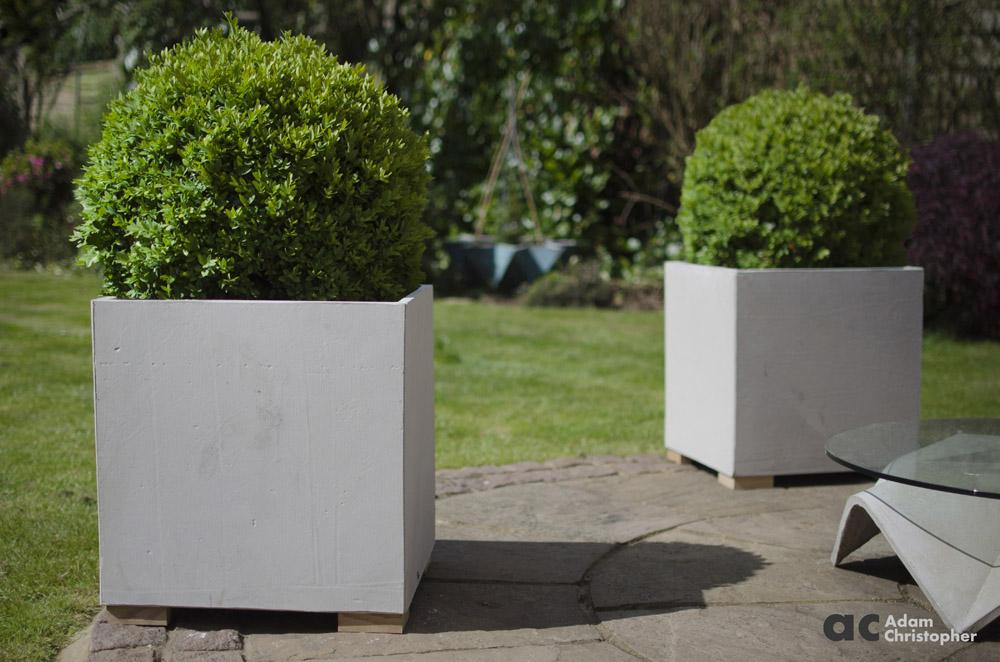 AC concrete flower pots cube 50cm (6) logo 1000px