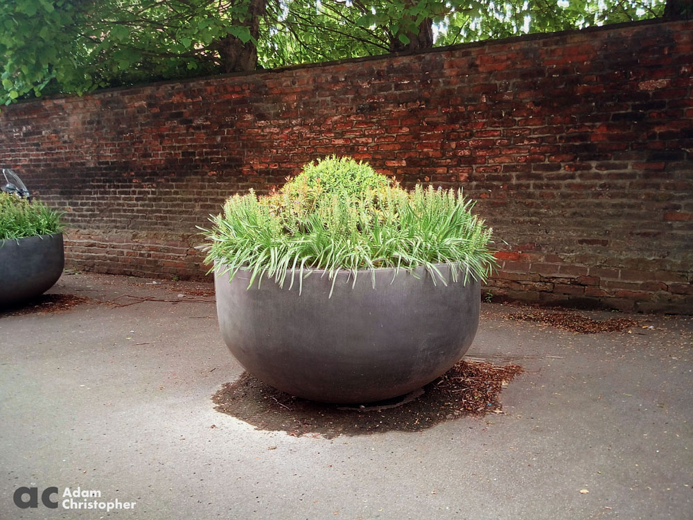 Planters in Knutsford 1000