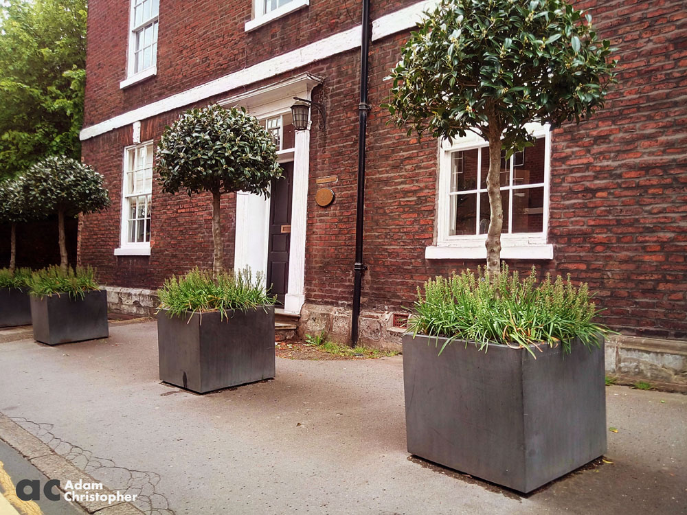 concrete commercial planters in knutsford 1000