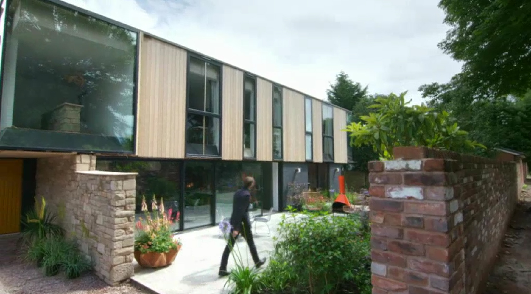 Appearence on british tv award winning contemporary for Houses inside and out