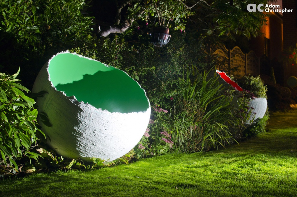 1-m-corporate-sculpture-of-an-egg-logo