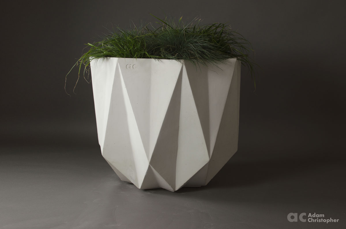 Prisme Planter White Concrete  80    x    80    x    655cm     Award